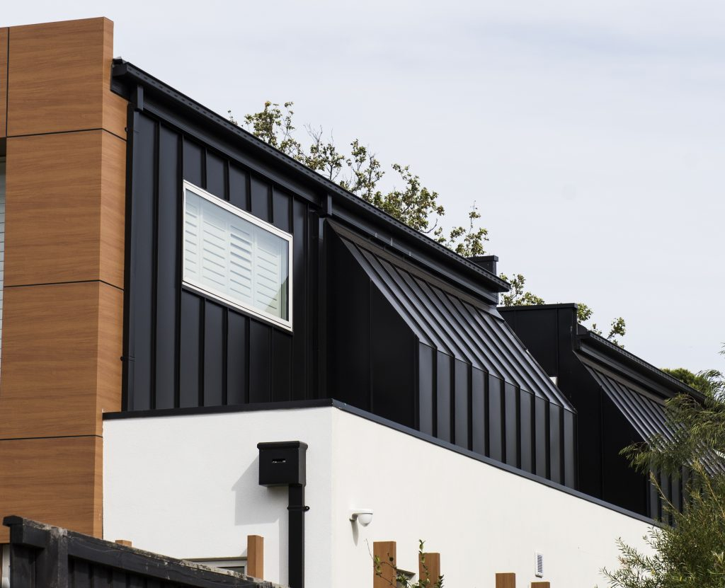 , COLORBOND® steel – NIGHT SKY® provides a striking finish