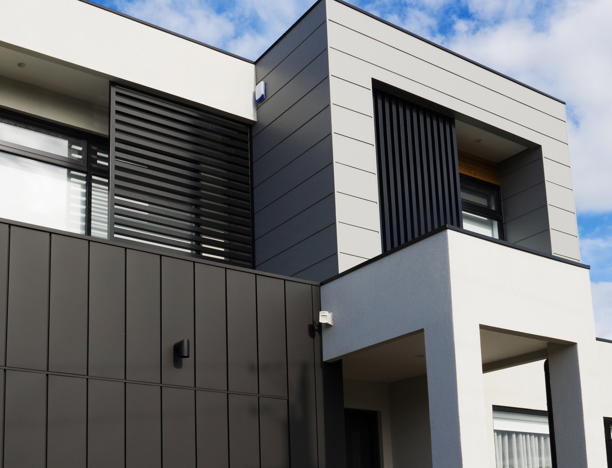 Interlocking Metal Cladding Delivers A Remarkable Fa 231 Ade